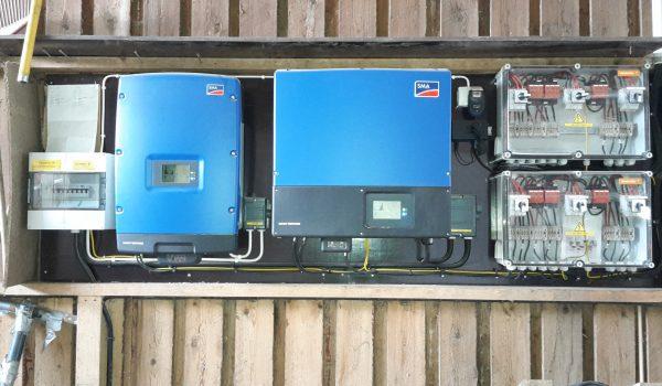 SMA-Inverter och DC-brytare med överspänningsskydd till en solcells anläggning på 23,9kw